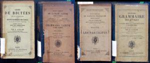 Livres de grammaire, quatre exemplaires